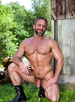Muscled guy Dirk Caber