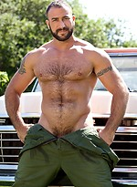 Hot muscle hairy hunk Spencer Reed