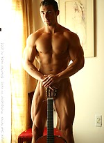 Sean Pat shows his muscle body