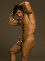 Kent Logan shows his perfect ripped body