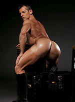 Mature muscle man naked