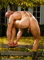 Bodybuilder shows his perfect body and big boner outdoors