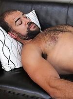 Muscle hairy hunk JR Matthews and Roman Wright fuck