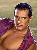 Hot brunette bodybuilder Matthias Vannelli naked
